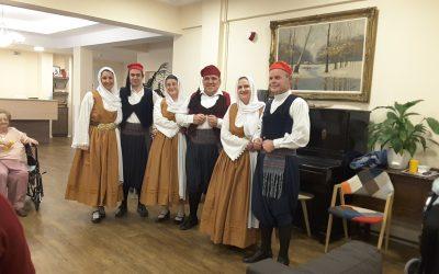 """Η χορευτική ομάδα Δημοτικής Κοινότητας Φιλοθέης επισκέπτεται την """"Καλλιστώ"""""""